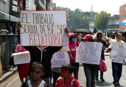 Trabajadoras sexuales de la Red Mexicana de Trabajo Sexual convocadas por la Brigada Callejera