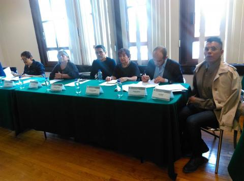 Algunxs integrantes del Consejo Ciudadano de VIH e ITS de la CDMX con el diputado temistocles Villanueva