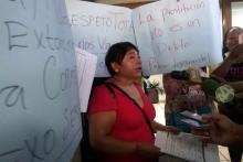 La presidenta de la asociación Brigada Callejera criticó la actuación de la Comisión, y exigió justicia para que respetaran el trabajo de sus compañera. Foto: Jonathan Bañuelos