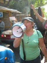 Elvira, pregonando respeto total al trabajo sexual en la marcha del primero de mayo de 2013.